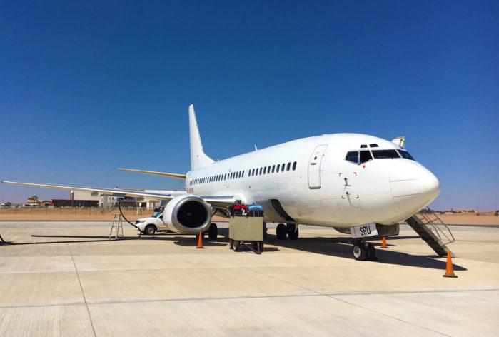 starair-fleet-B737-300-1